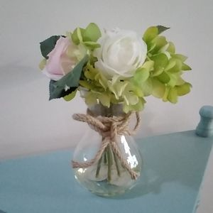 Small bouquet in a vase